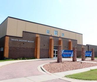 Exterior photo of the Dakota Discovery Museum