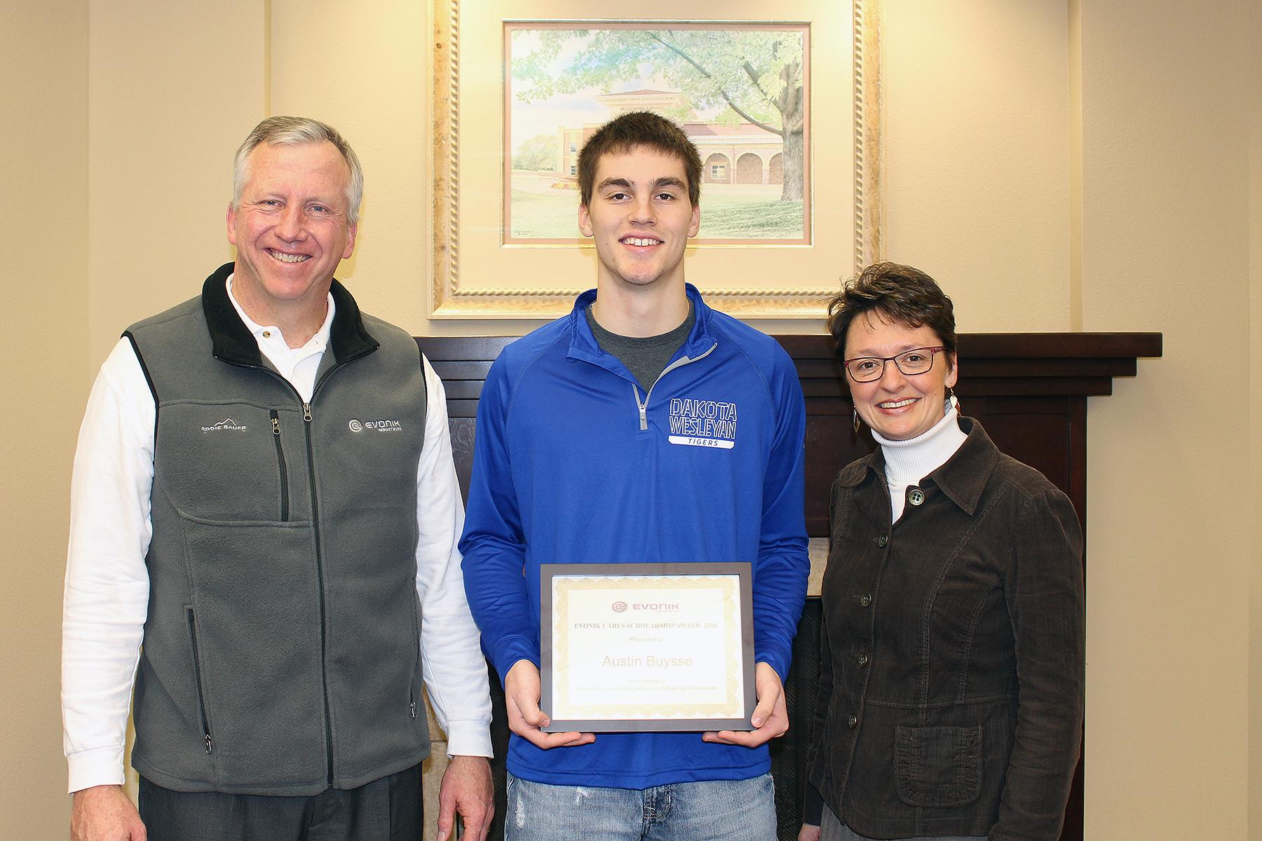 DWU sophomore Austin Buysse granted Evonik Cares Scholarship
